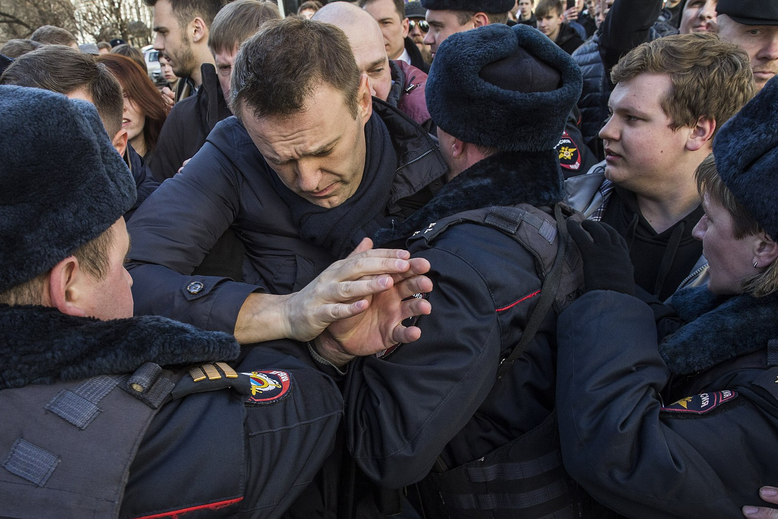 Задержание Алексея Навального на митинге Он вам не Димон