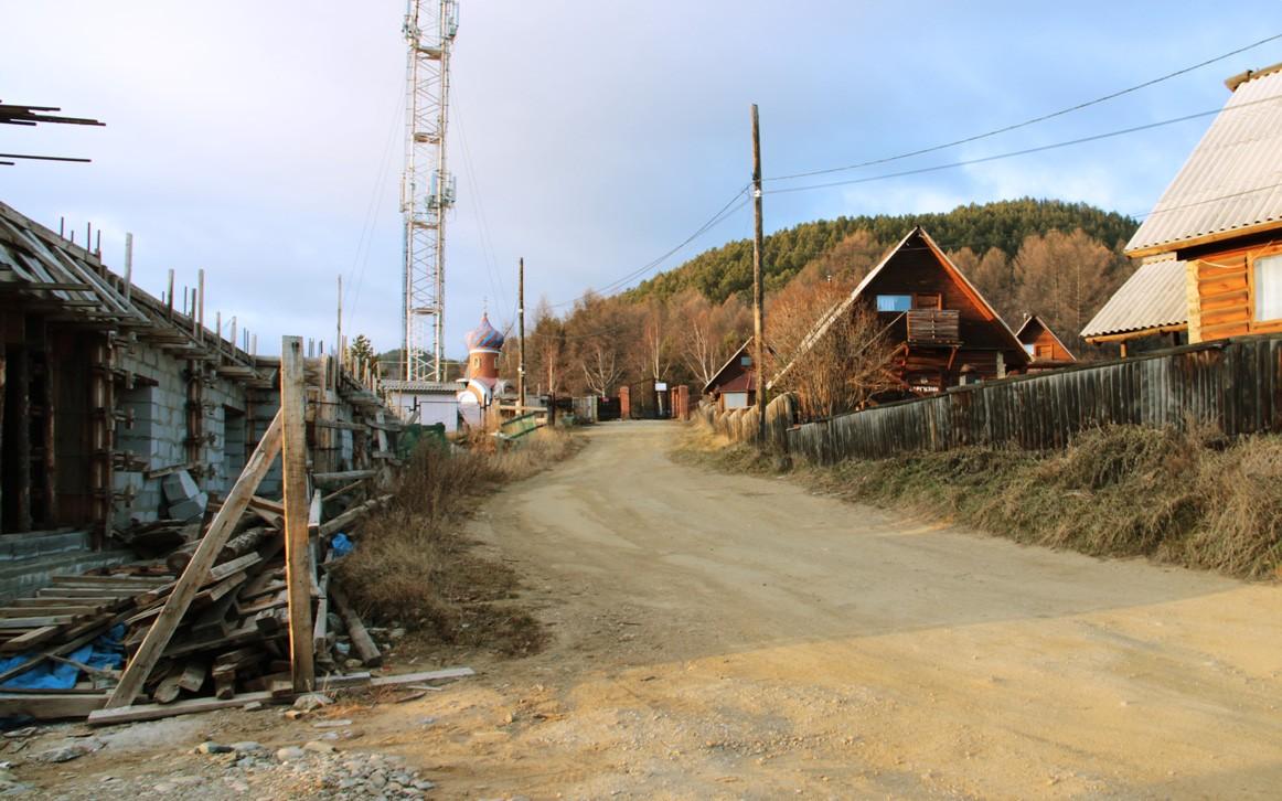 Стройка на Горького 29Ж (слева), Листвянка