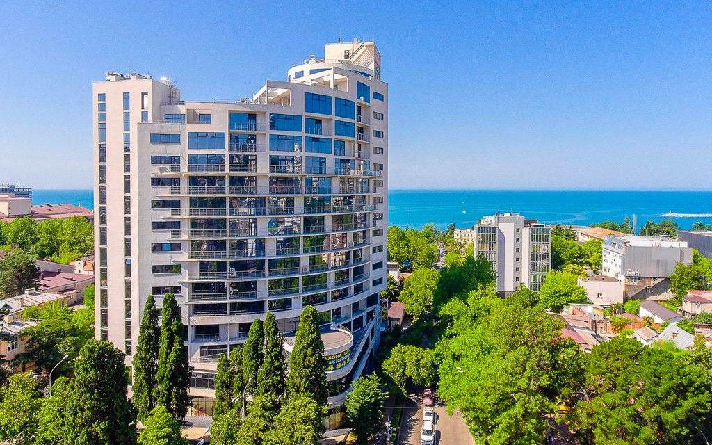 ЖК «Барселона-парк» в Сочи, здесь Надежде Гришаевой принадлежат два нежилых помещения