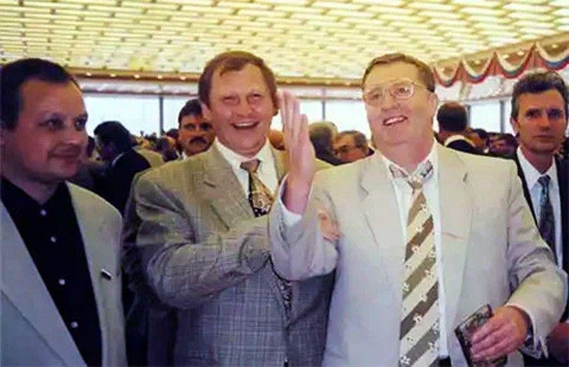 Михаил Глущенко/Миша Хохол и Владимир Жириновский, август 1996 года