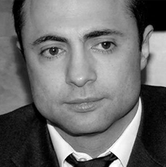 Ашот Егиазорян, депутат Думы 3, 5, 6 созывов от ЛДПР. Приговорен к 7 годам общего режима за мошенничество, скрывается в США