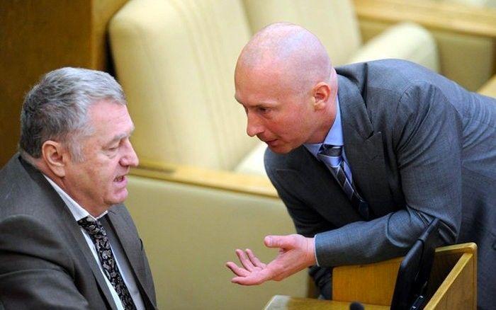 У двух главных мужчин партии ЛДПР — Жириновского и Лебедева — сейчас конфликт.